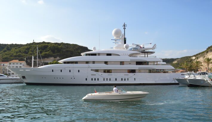 Superyacht charter etiquette: A guide to onboard dos and don'ts